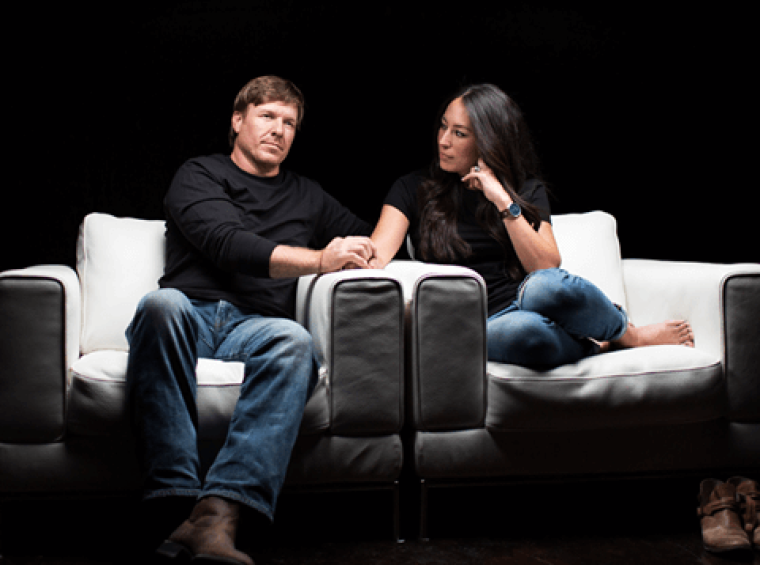"""Fixer Upper"" hosts Chip and Joanna Gaines"