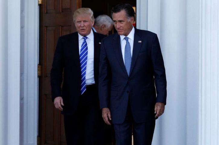 815baca47e8 Mitt Romney Calls Robert Jeffress a 'Bigot' for Comments on Jews ...