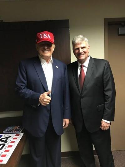 Franklin Graham (R) and Donald Trump