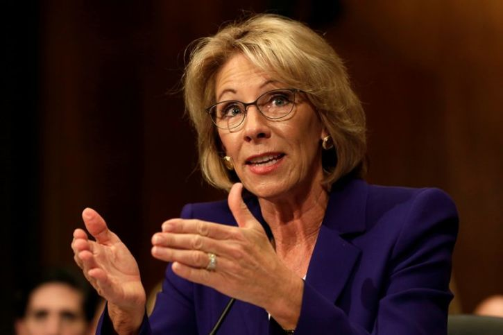 Betsy Devos Ignorance Is Not Compelling >> Transgender Students Claim Trump S Termination Of Obama Bathroom