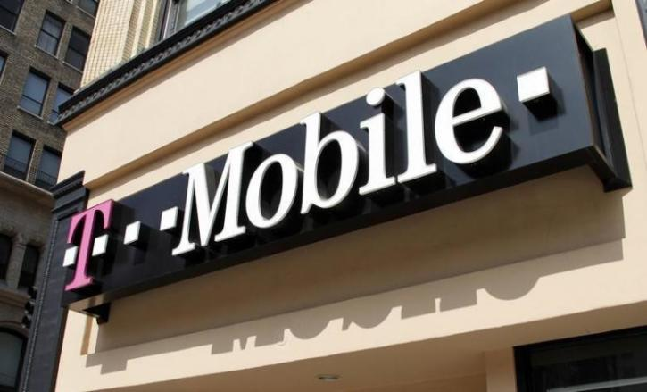 T-Mobile Accused of Waging 'War on Prayer' Over Extra Fee