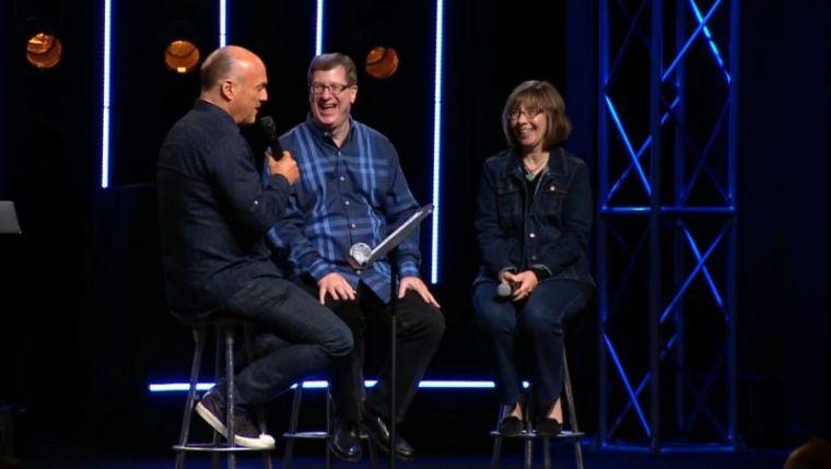 Greg Laurie (L) interviewing Lee Strobel (C) and Leslie Strobel (R)