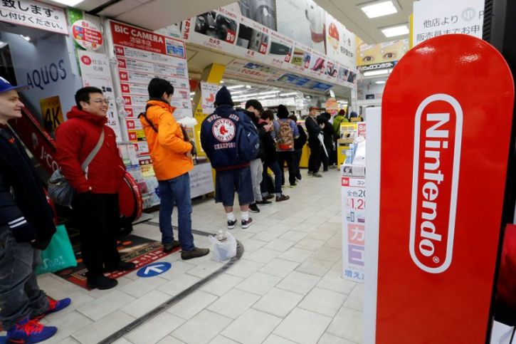 Nintendo Switch Stock: Scammers Target Gamers Desperately