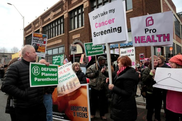 Anti and pro-abortion rallies in US