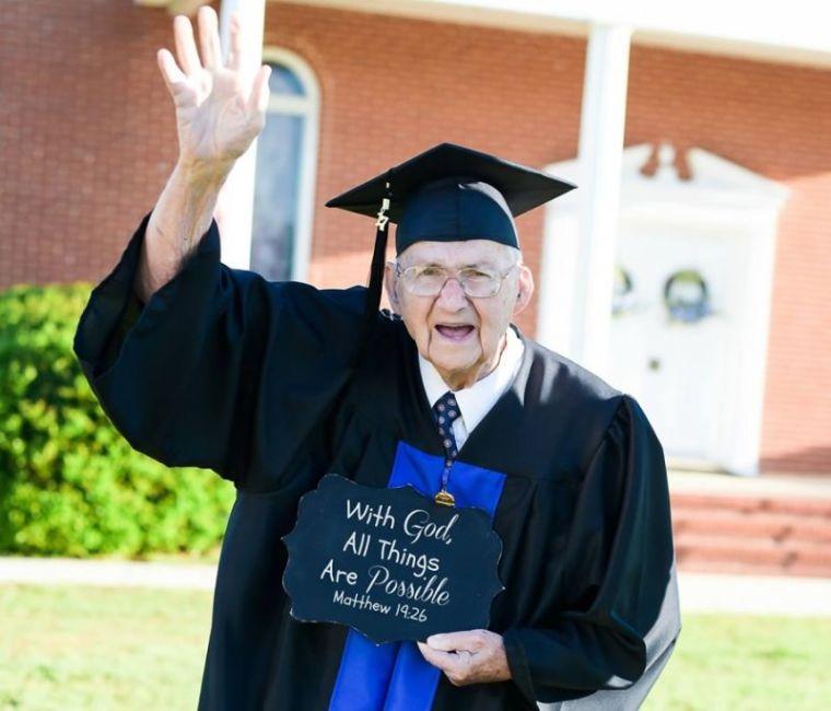 Rev. Horace Sheffield graduates college at 88