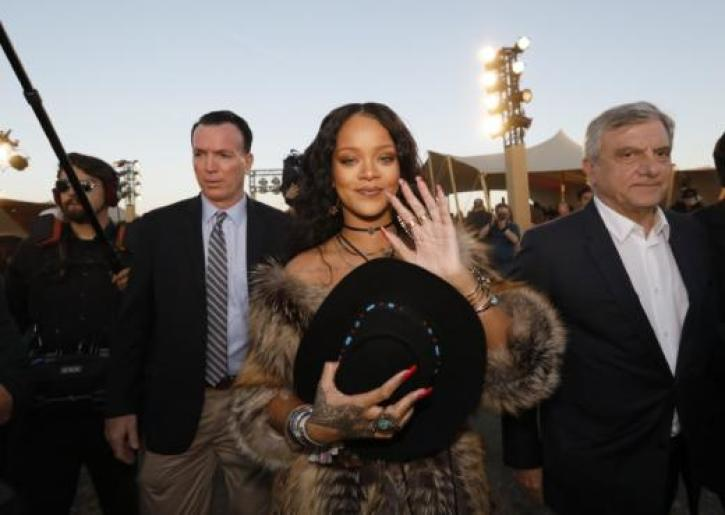 c2683f84247 Rihanna Shuts Down Body-Shaming Haters With Instagram Post