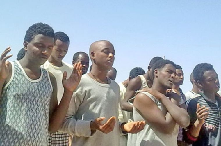 Eritrean Christians worship in Egyptian prison