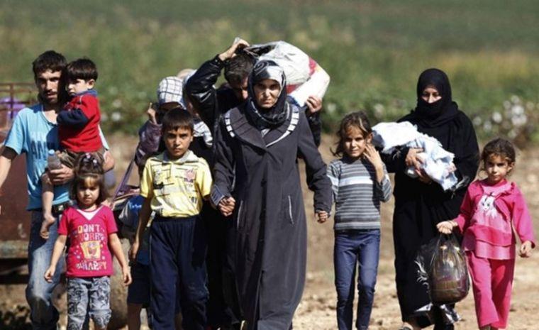 Syrian refugees heading to Turkey