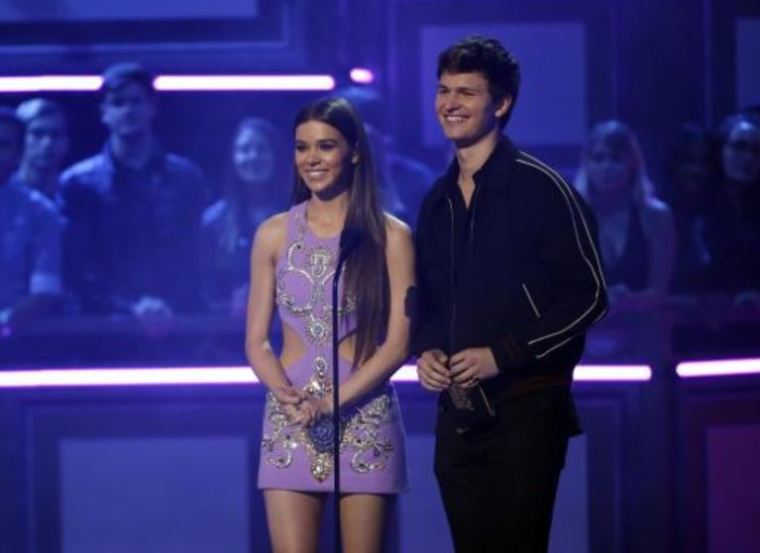 A photo of Ansel Elgort with Hailee Steinfeld presenting an award.