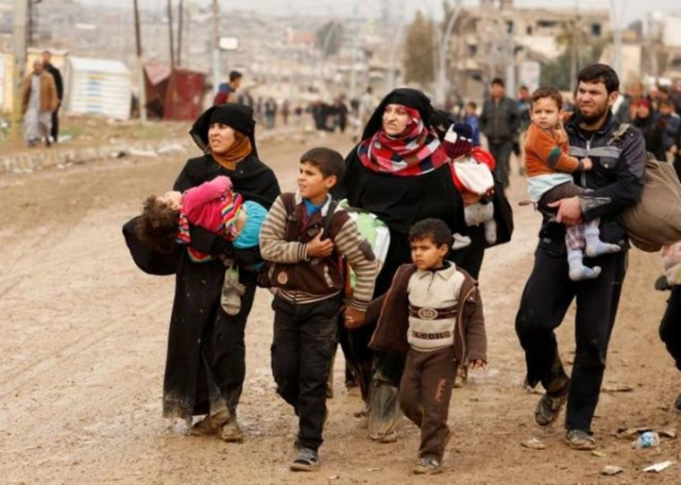Fleeing Iraqis in Mosul