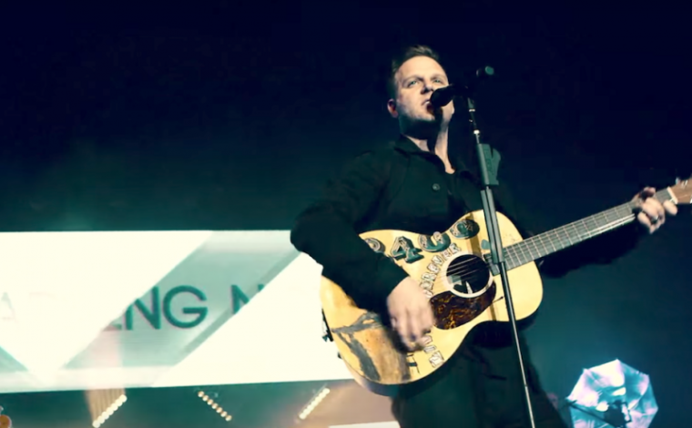 Matthew West Wants Christians to Share the 'Broken Chapters' of Their Life to Help Encourage Others