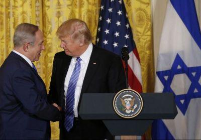 Benjamin Netanyahu (L)