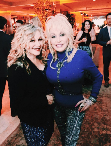Dolly Parton S Sister Stella Says Country Music Industry Full Of