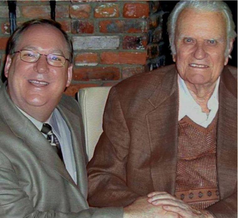 Rick Warren (L) and Billy Graham (R)