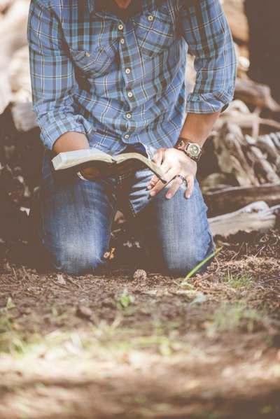 bible, kneel