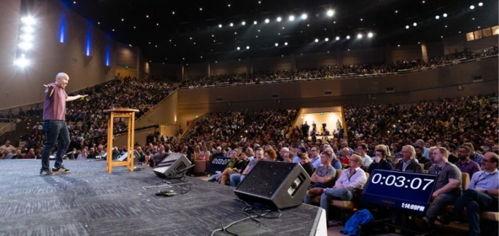 Francis Chan challenges pastors to have Spirit-led churches, get out