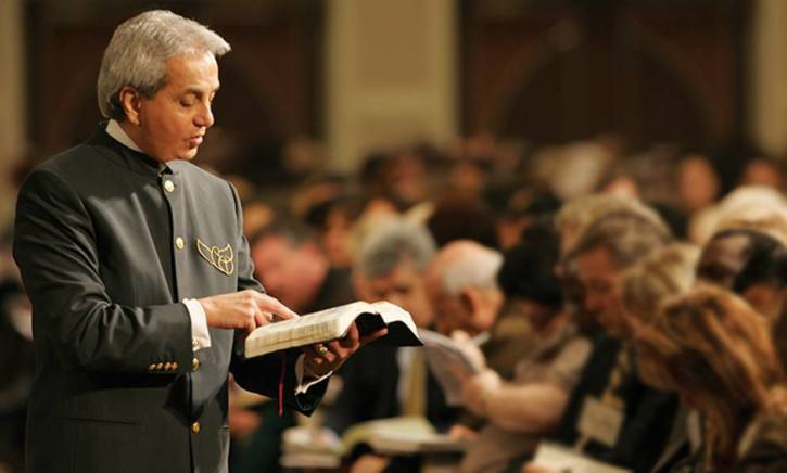 Benny Hinn renounces prosperity gospel, says 'Holy Ghost is