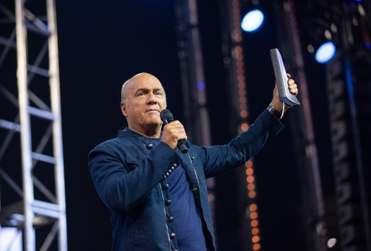 Greg Laurie Tests Positive for Coronavirus After Attending SCOTUS Nomination at White House