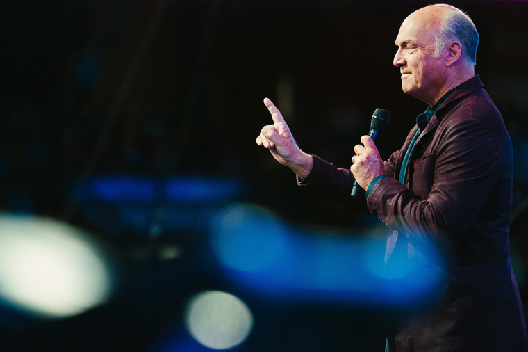 Greg Laurie's Palm Sunday Online Service Had 1.3 Million Viewers, Including President Trump, With 11,207 People Making Decisions to Give Their Lives to Christ