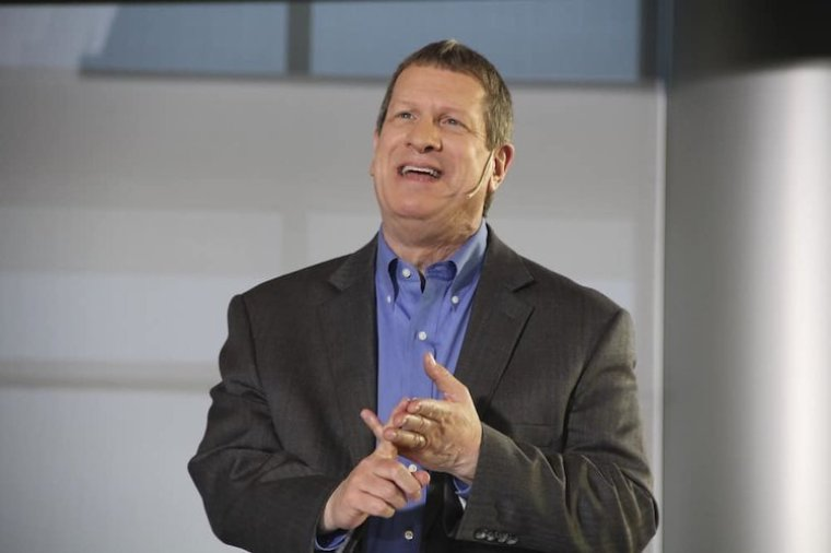 Lee Strobel Launches Free Online Video Series to Make the Case for Christmas