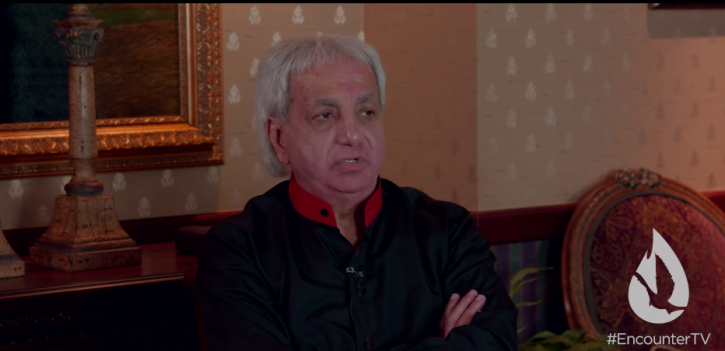 Benny Hinn admits his teachings on prosperity 'damaged a lot