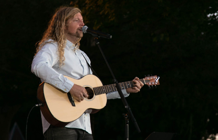 Worship Artists Sean Feucht Believes America is on the 'Cusp of a Revival'