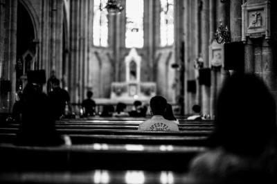 pews, church