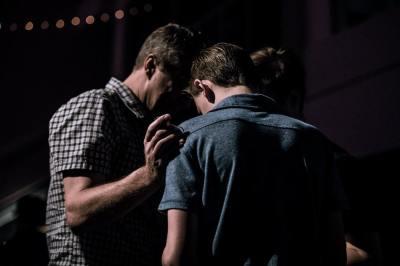 pray, men, worship