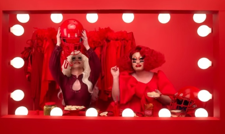 Super Bowl drag queens