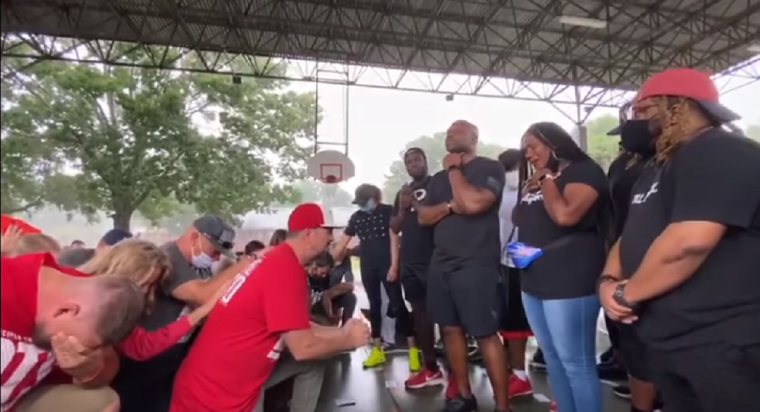 WATCH: White Christians from Houston Prayer Group Kneel in Repentance for Racism Before Group of Black Christians