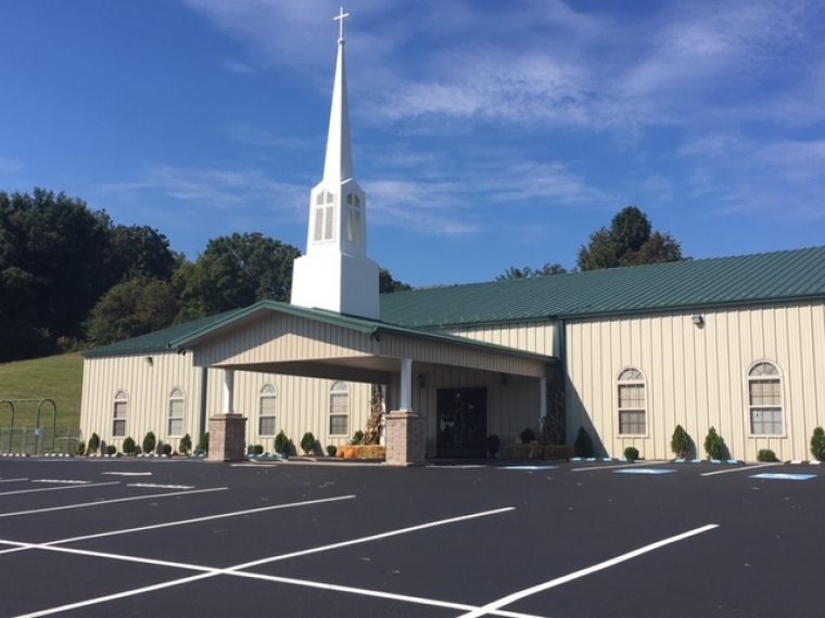 Tennessee Church Gives $1,000 to Every Member of Local Police Department in 'Bold Statement of Support'