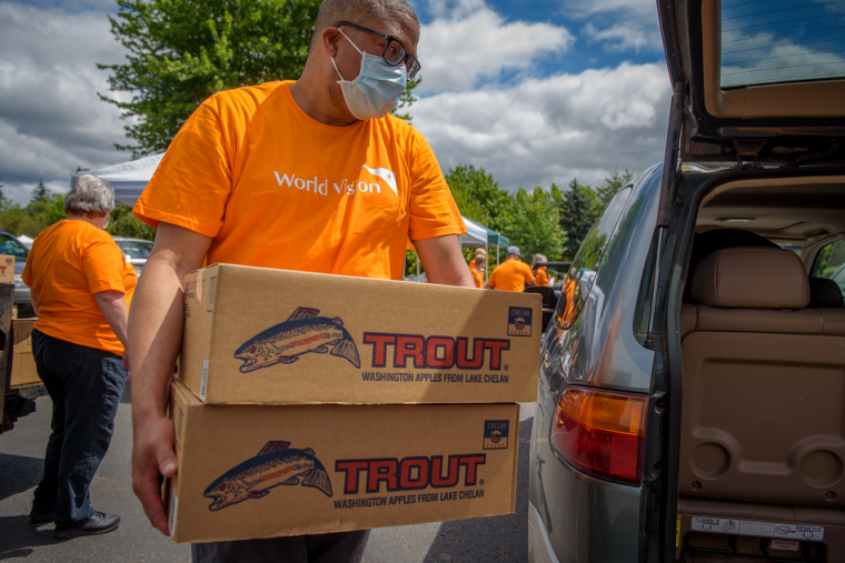 Lakewood Church Partners With World Vision to Distribute 12,000 Boxes of Fresh Food to Help Needy Families and Farmers During Pandemic
