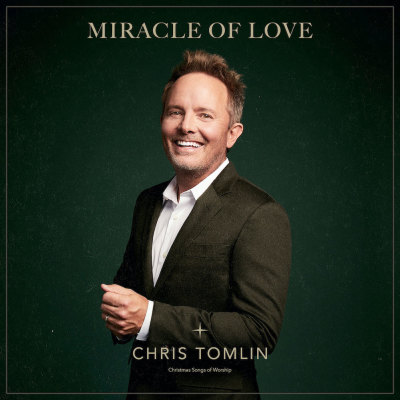 Chris Tomlin's new Christmas song inspired by wife's pregnancy - The Christian Post
