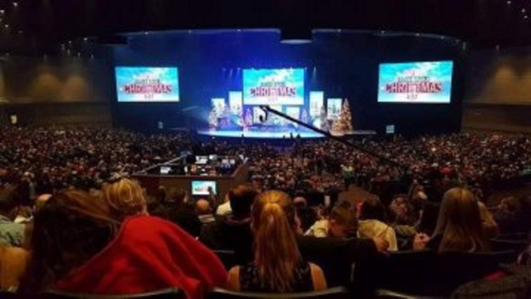 James River Church in Missouri Under Fire After Photos Show Packed, Maskless Christmas Services