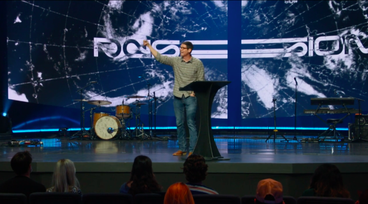 Matt Chandler Says Christians Must Recapture Biblical Meaning of Love in Post-Truth Culture That Has 'Emptied It of Its Meaning'
