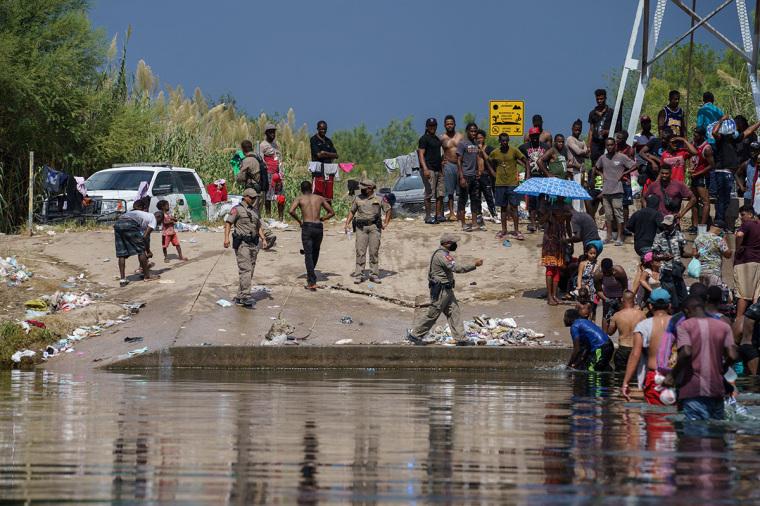 Texas, border crisis