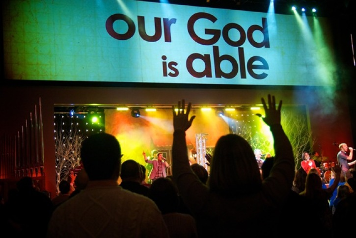 Innovative LifeChurch tv Offers 100 Christmas Services Before Sunday