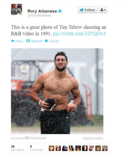 Tim Tebow Shirtless Run