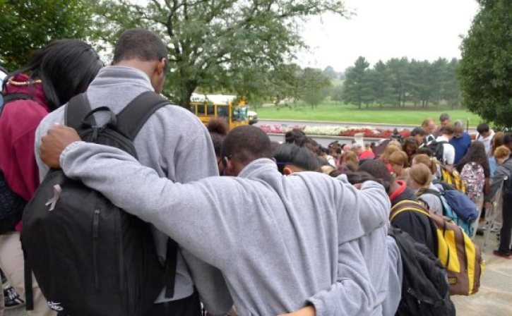 Prayer Banned at Graduations, School Events After Nation's