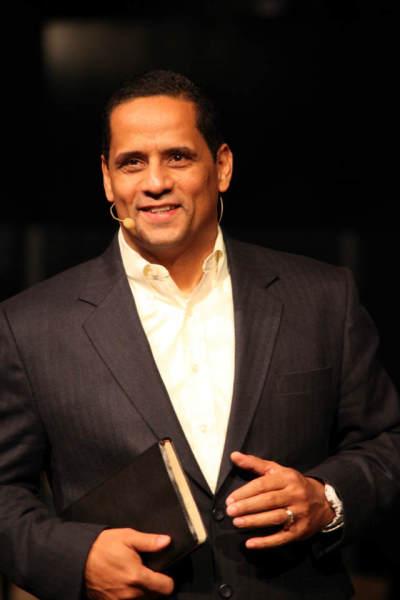 Pastor Wilfredo De Jesus