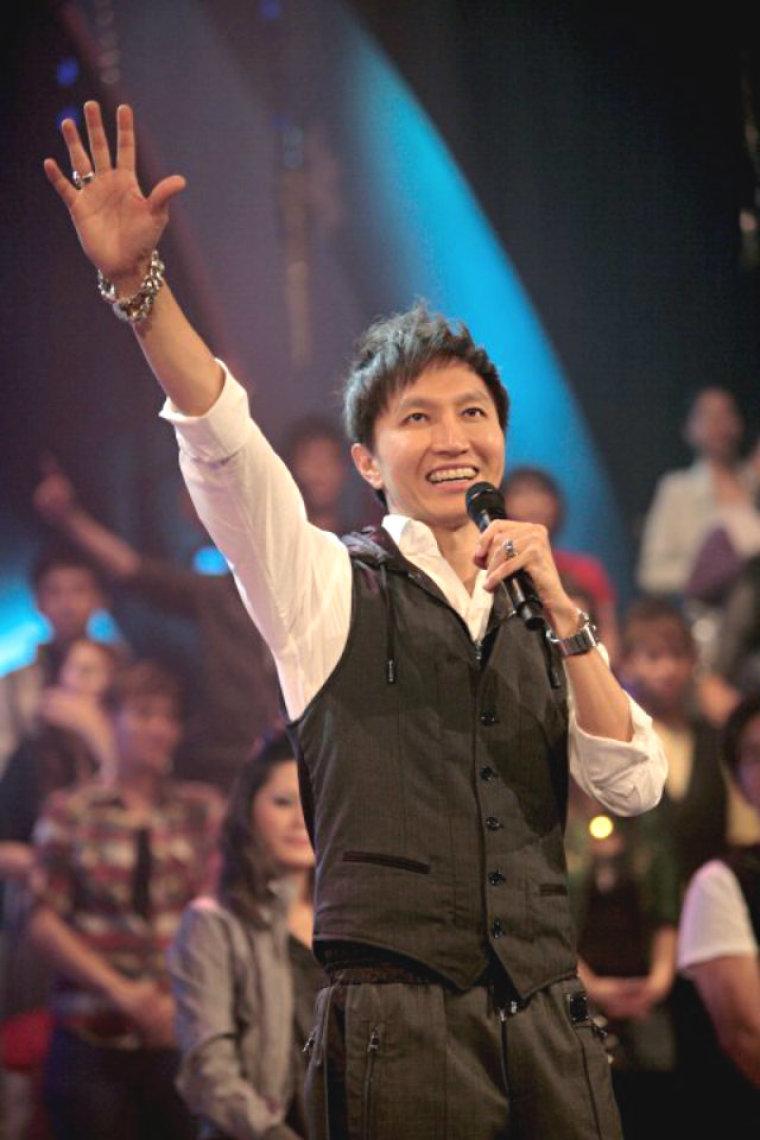 Pastor Kong Hee