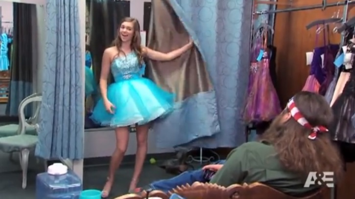 2bb583c514f Sadie Robertson showing her daddy a dress in