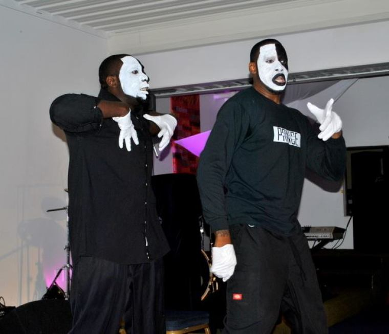Mimes Perform at Club for Jesus