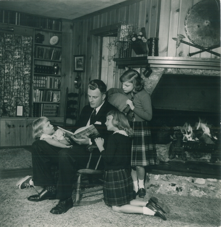 Billy Graham Reads His Children A Bible Story