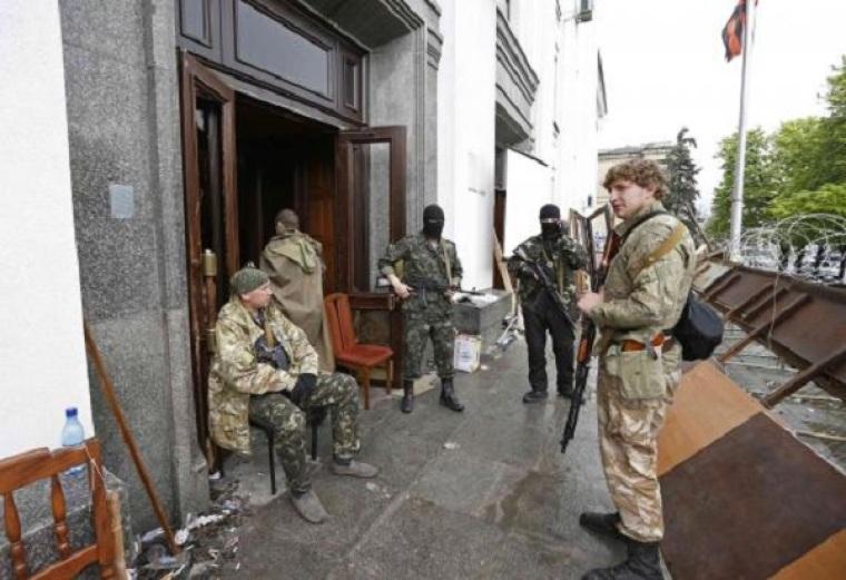 Pro-Russian armed men