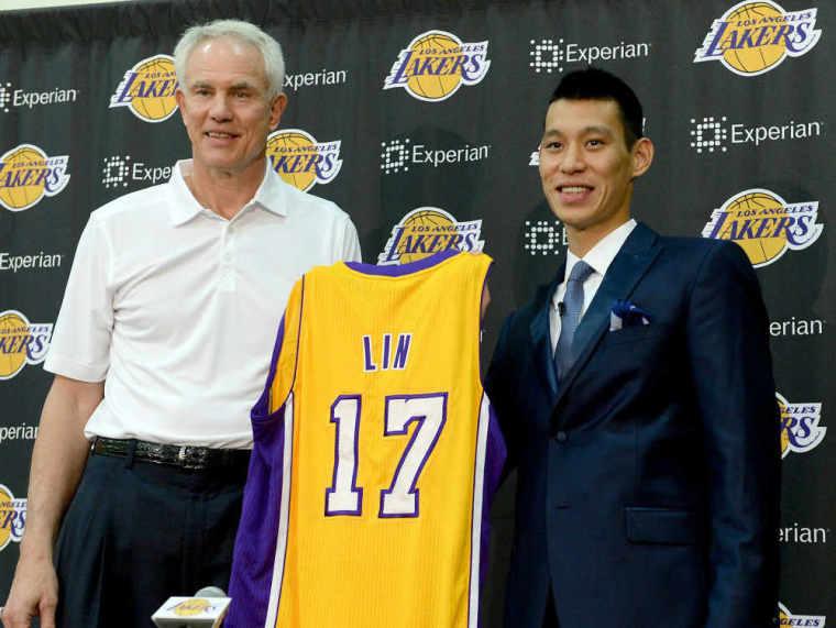 Lakers introduce Jeremy Lin