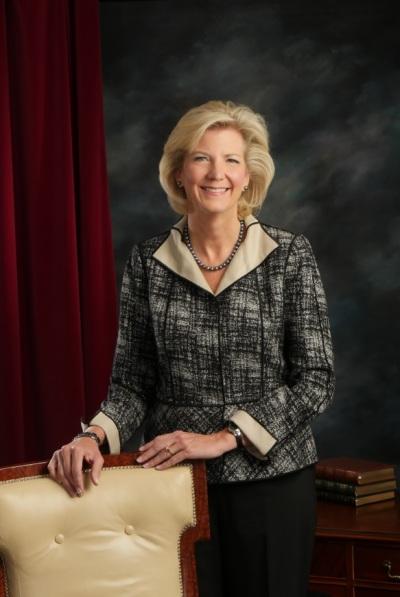 Shirley Hoogstra