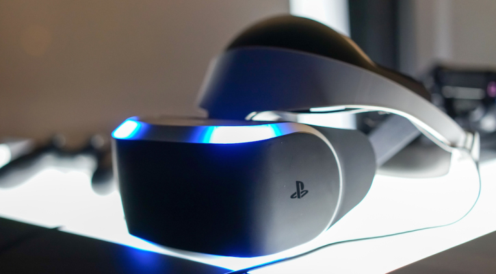 Oculus Rift CEO Tells Sony to Solve Motion Sickness Before Releasing