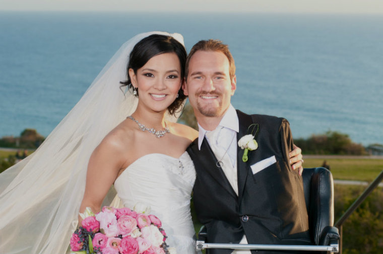 Nick Vijicic: Man Born Without Limbs Share Photos Of Wife ...
