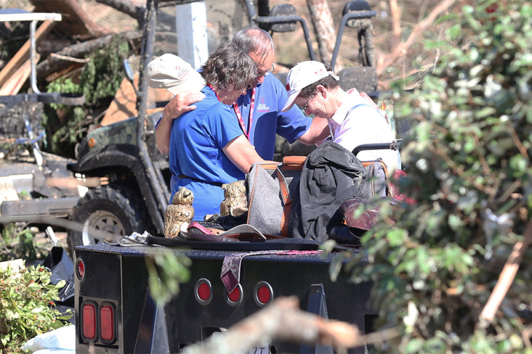 Billy Graham Rapid Response Team chaplains comfort Mississippi homeowners